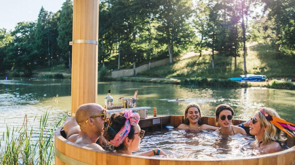 wilderness-festival-hot-tub-jt-1500x840